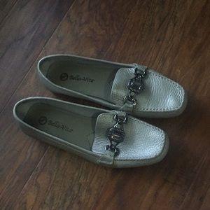 Bella Vita loafer size 9N.